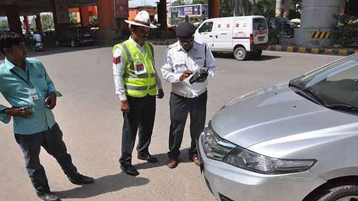central-govt-says-new-motor-vehicle-act-traffic-fines-can-slash-by-states