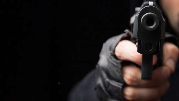 malayalee-killed-3-injured-as-robbers-open-fire-in-nasik-muthoot-finance-branch