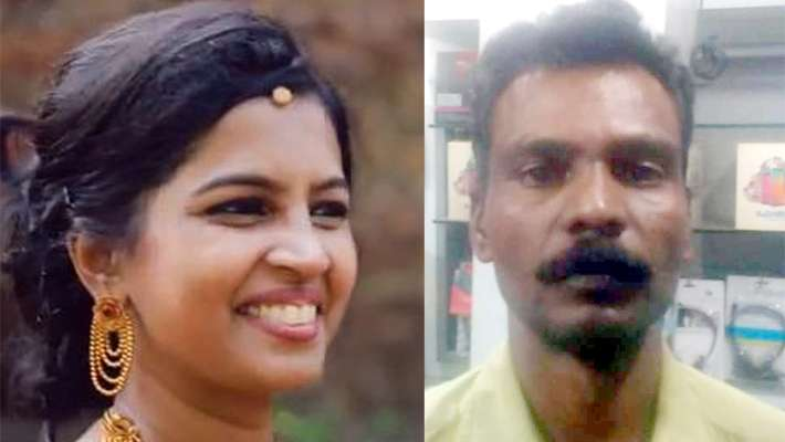two-keralites-dead-at-tamilnadu-car-lorry-accident