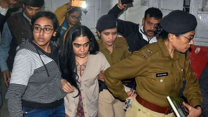 rabri-devi-dragged-me-by-the-hair-and-threw-me-out-says-daughter-in-law-as-drama-ensues-outside-home