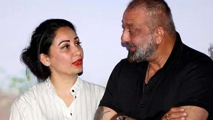 sanjay-dutt-wife-manyata-reply-to-rumors-about-his-health-condition